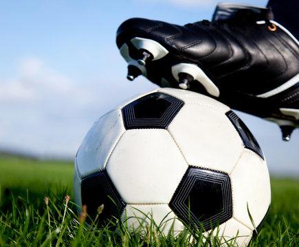 Futbalový hodový víkend a tanečná zábava s ŠK ZÁVOD