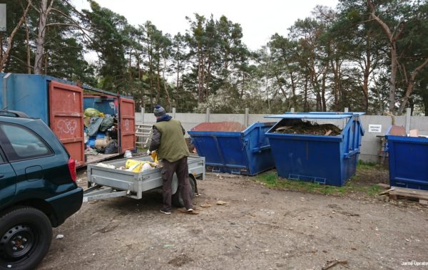 UPOZORNENIE | Správne triedenie odpadov na Zbernom dvore