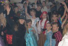 Fašiangový karneval 2018 opäť prilákal mnoho detí (Fotogaléria)